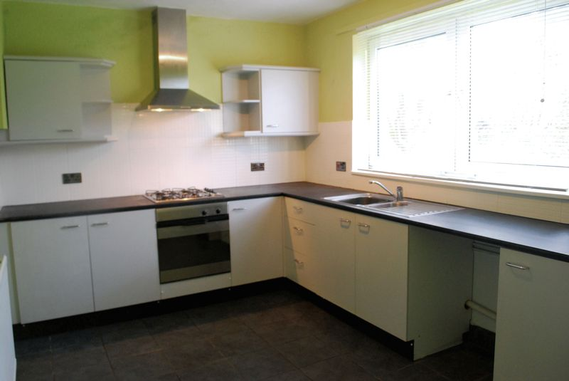 Lancaster crescent st eval wadebridge jefferys estate for F kitchen lancaster