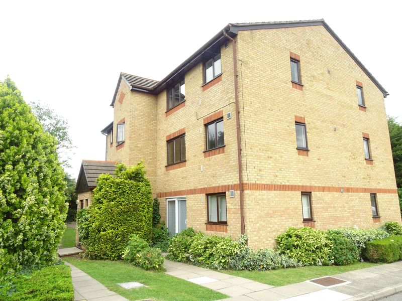 Woodfield Close Enfield
