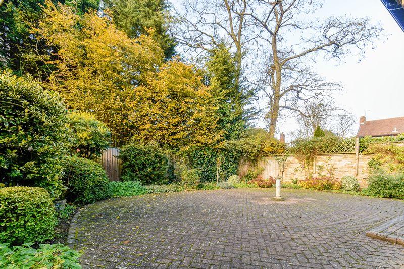 Meynell Gardens