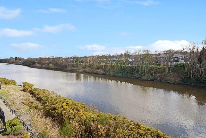 Grayling Mews Walton Locks