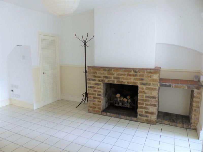Apsley Cottages Cookham