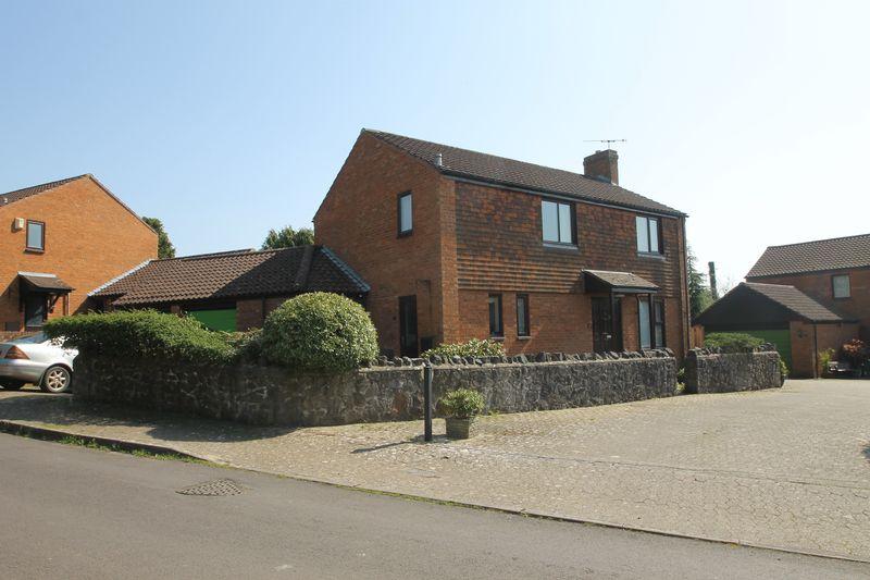Manor Court Easton