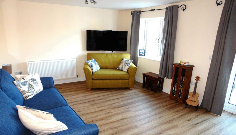 Properties for sale in liskeard lostwithiel st austell for Living room 528 powell street