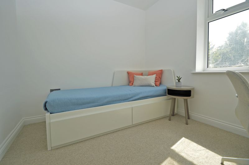 Show House Bed 2