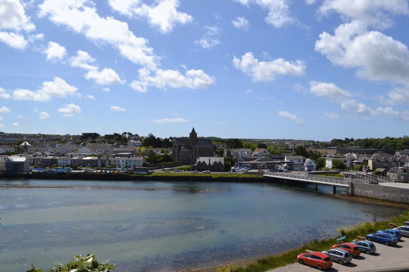Clifton terrace hayle jefferys estate agents cornwall for 5 clifton terrace winchester b b