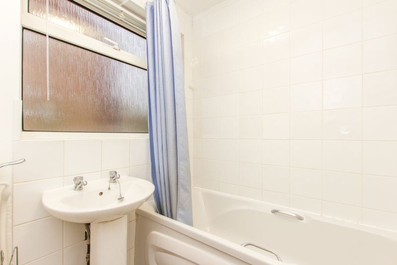 Woodlands Cl