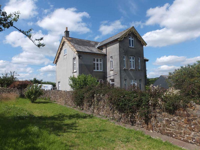 7 Bedrooms Property for sale in Okehampton, Devon