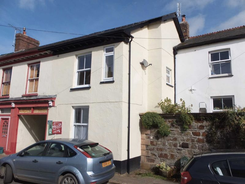 3 Bedrooms Property for sale in Hatherleigh, Devon