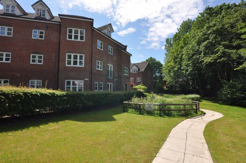 Duxbury Gardens