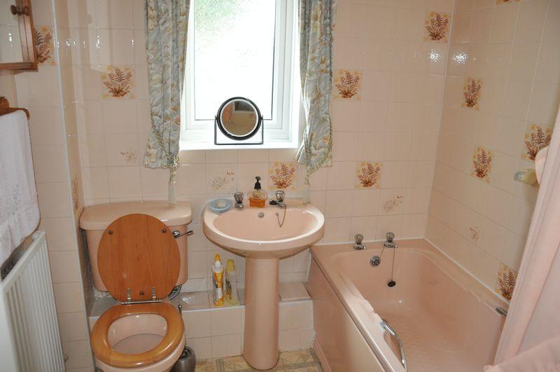 modern bathroom tile ideas photos. now working with wrightington ...