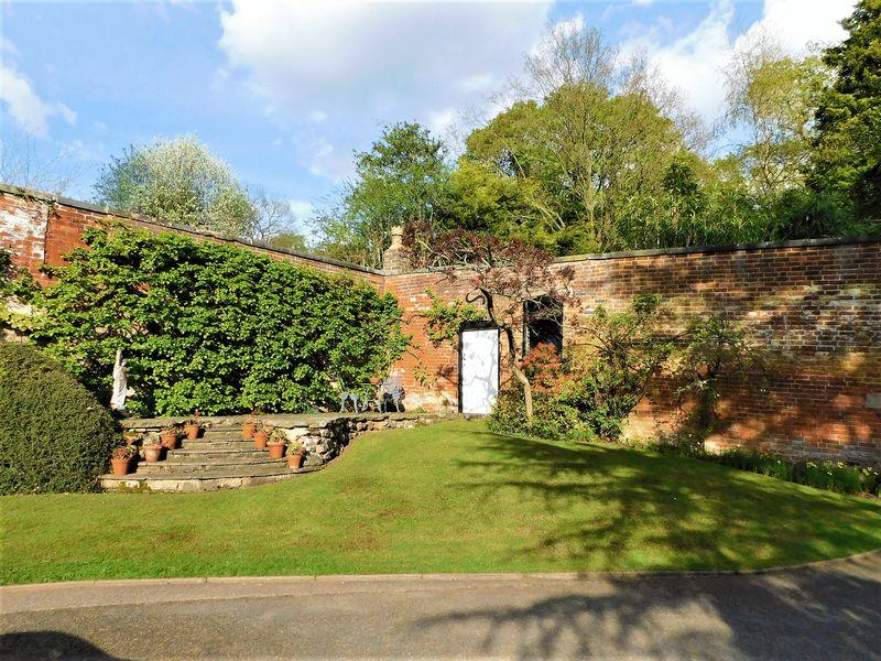 Front Garden & Stone Patio