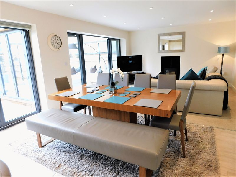 Open Plan Family Dining Area
