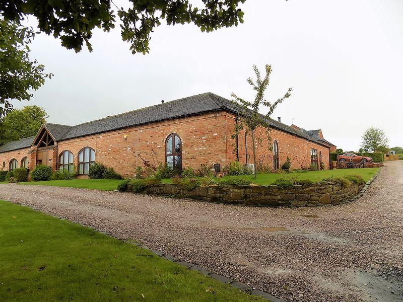 Horsley Farm Court
