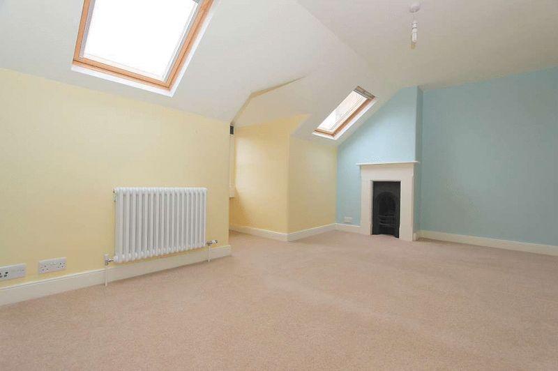 Top Bedroom 2