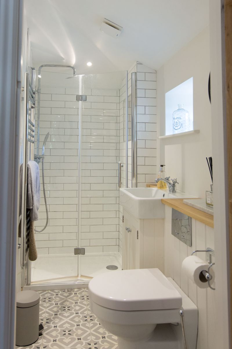 Annexe shower rooms