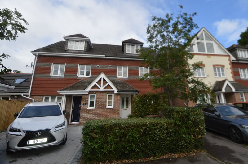 Yachtsman Close Bursledon