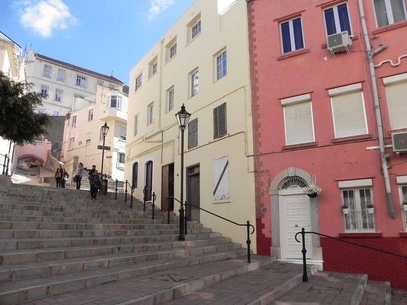 Castle Street Upper Town