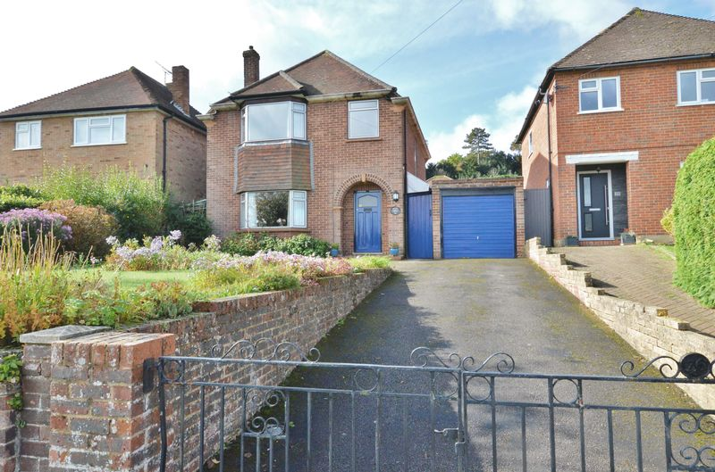 3 Bedrooms Property for sale in Binscombe Lane, Godalming
