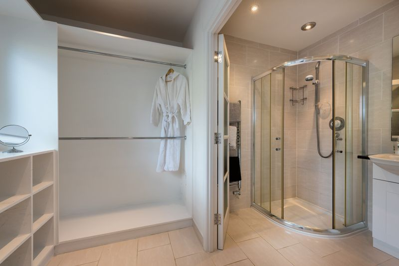 Dressing & Shower Room