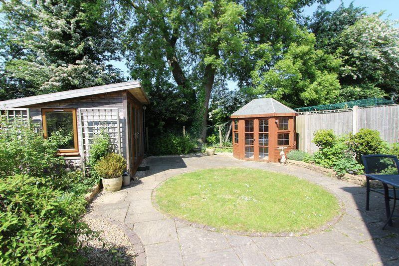 Paddock Gardens Alveston
