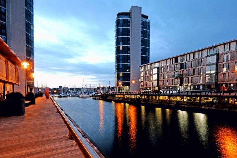 Marina Point West, Dock Head Road