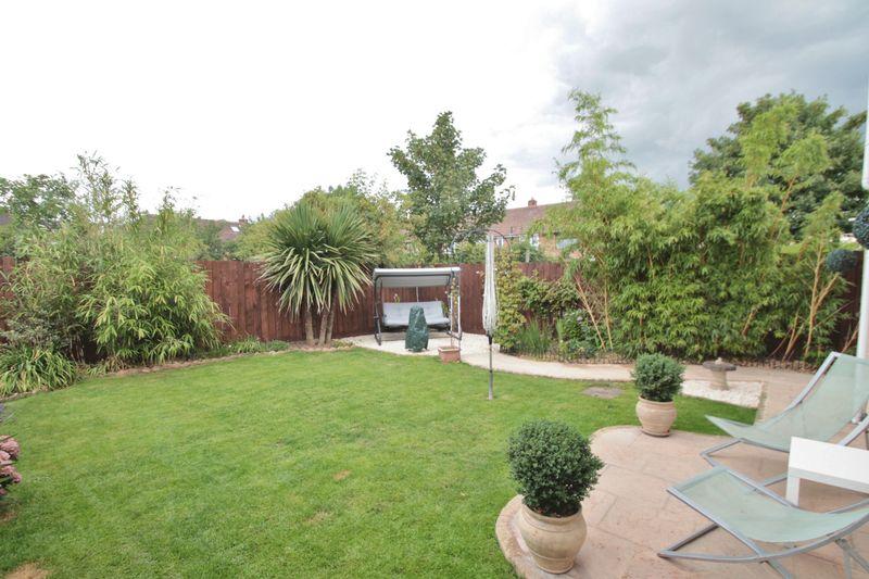Barrington Crescent Thorntree