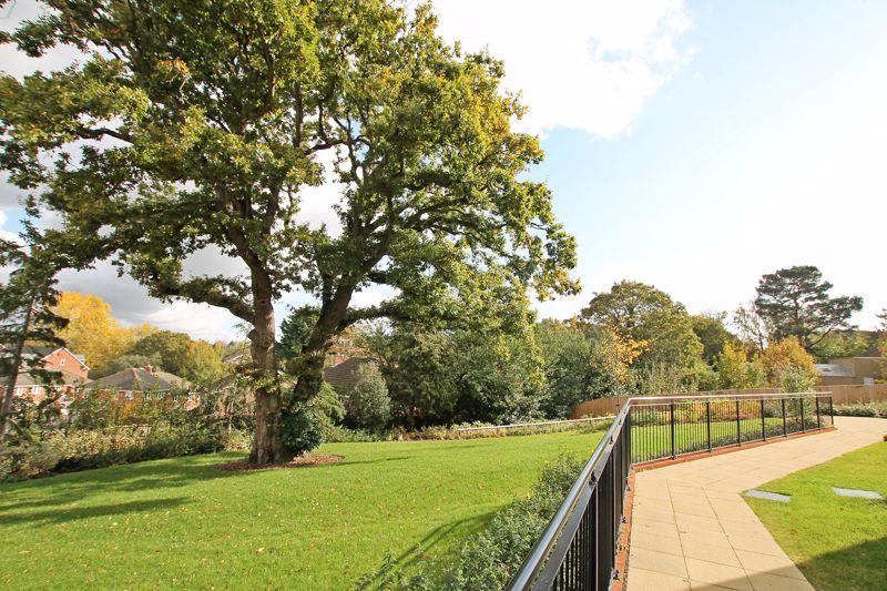 Botley Road Park Gate