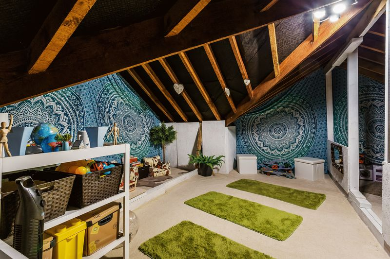 Loft Space / Play Room
