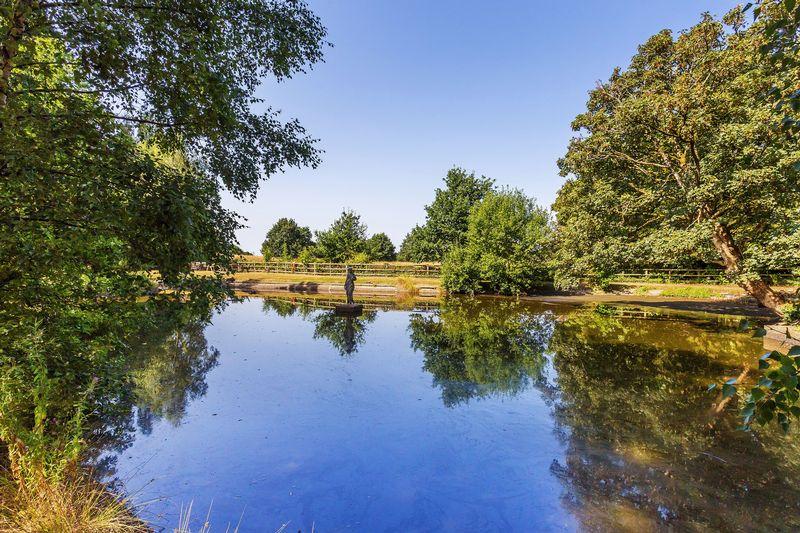 Holmesdale Park Nutfield