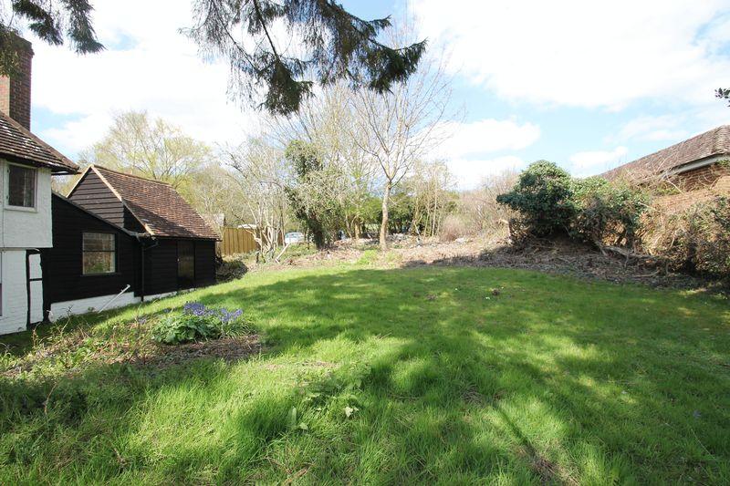 Garden Furniture Gomshall terra cotta properties - terra cotta