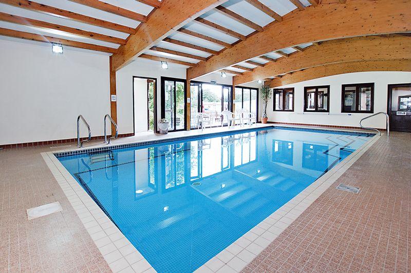 Wickham Court Swmming Pool