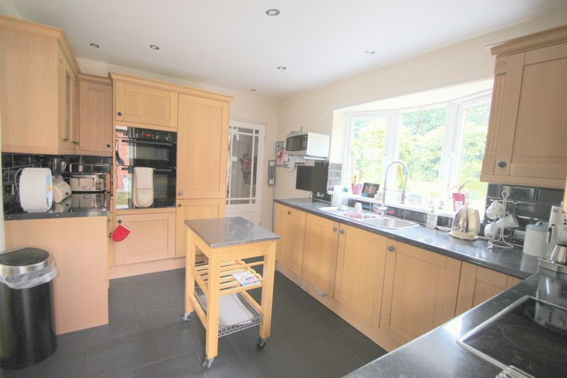 2 Whitlenge Lane Hartlebury