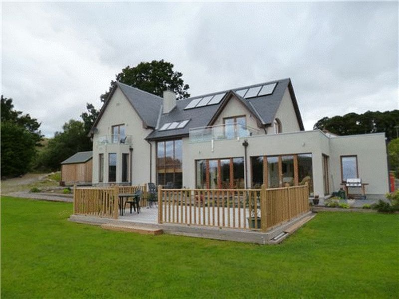 Daviot. Properties for Sale in Scotland