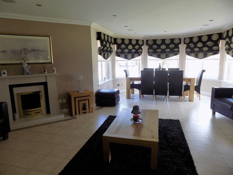 Dining area/ Living room