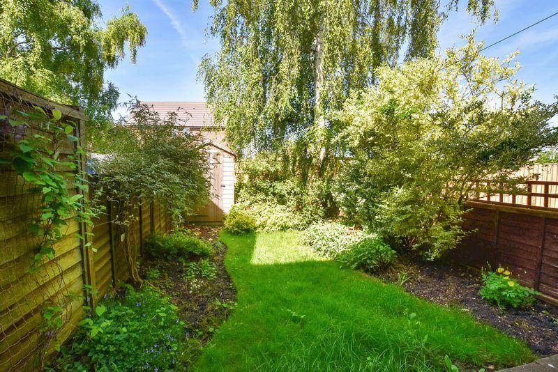 Field Gardens, Steventon