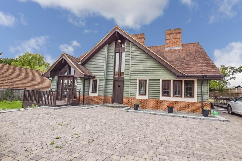 Glebe Road Ramsden Bellhouse