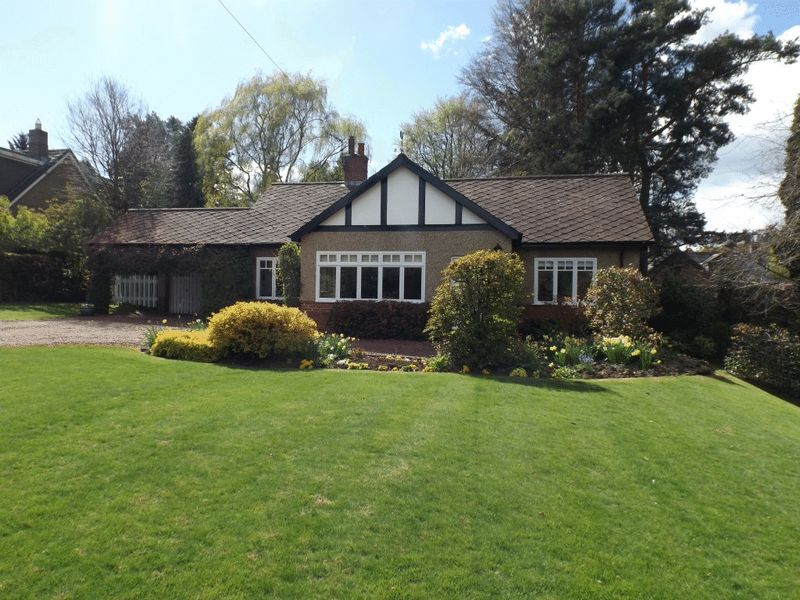 Holly Lodge, Fulbeck