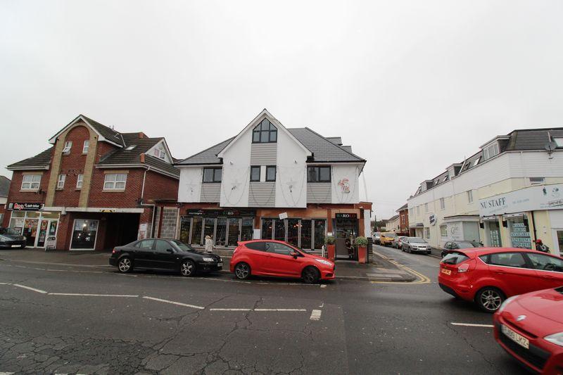 12 Smithfield Place