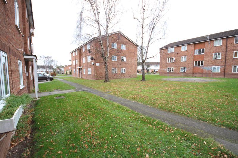 Nicholson Court Bobblestock