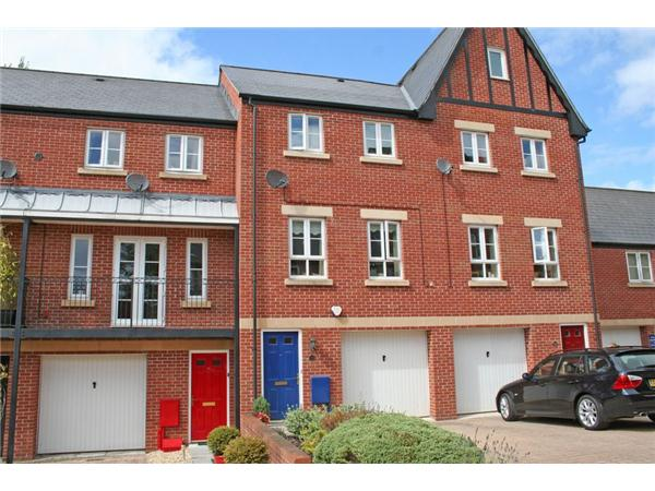 4 Bedrooms Property for sale in Popham Close, TIVERTON