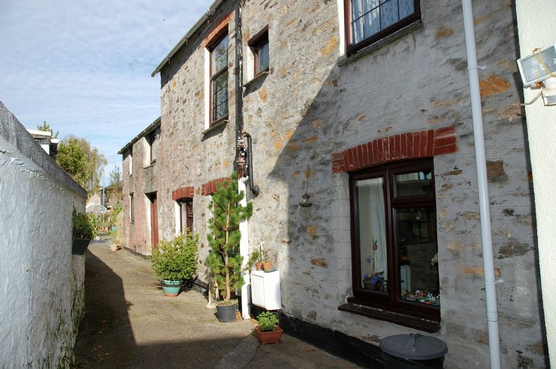 4 Bedrooms Property for sale in North Street, Lostwithiel