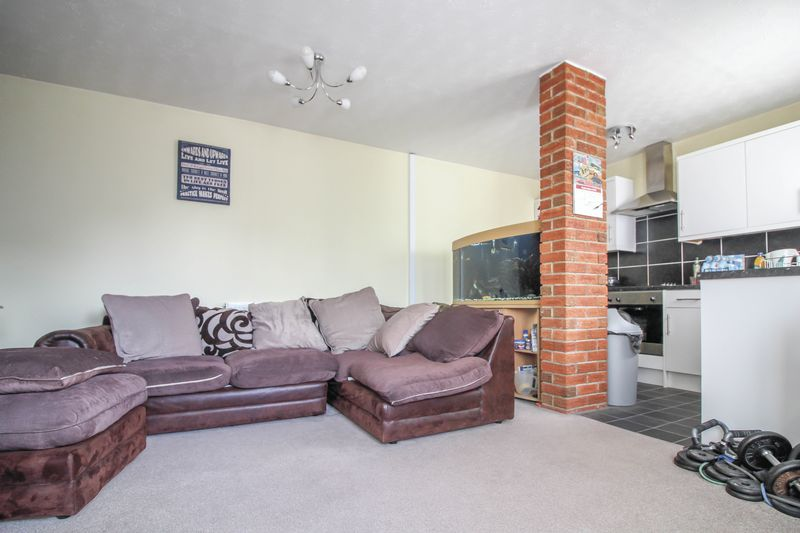 1 Bedroom Property for sale in Wiltshire Drive, Trowbridge