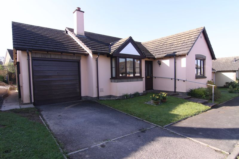 3 Bedrooms Property for sale in The Heathers, Okehampton