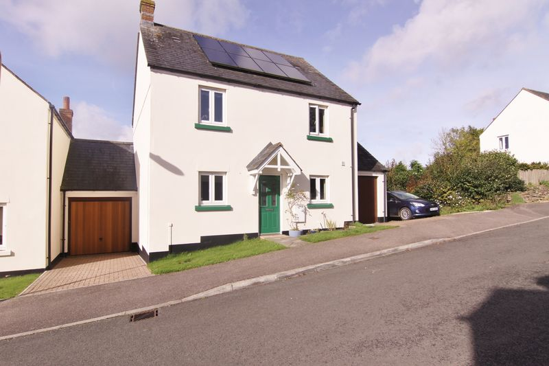 4 Bedrooms Property for sale in Strawberry Fields, North Tawton