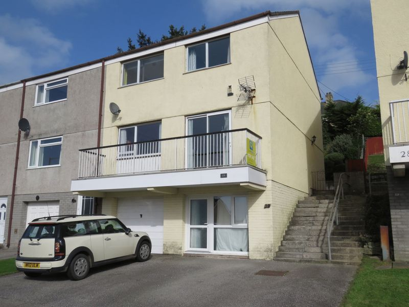 4 Bedrooms Property for sale in St Clements Close, Truro