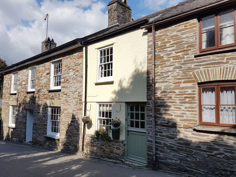 2 Bedrooms Property for sale in Fore Street, St Germans