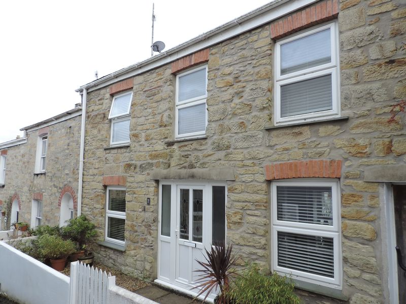 3 Bedrooms Property for sale in Andrew Place, Truro