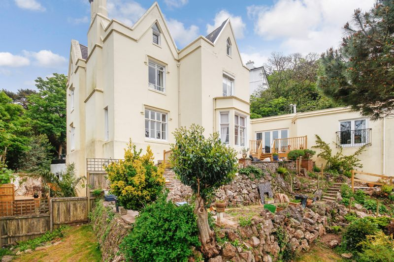2 Bedrooms Property for sale in Lower Woodfield Road The Lincombes, Torquay