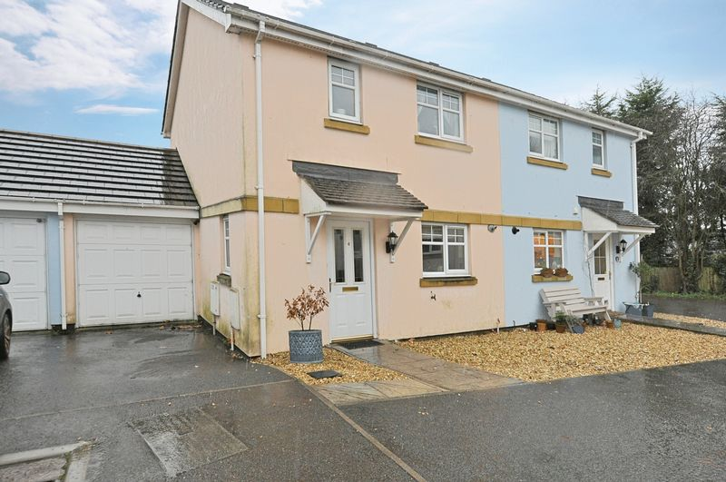 3 Bedrooms Property for sale in Walnut Close, Chudleigh