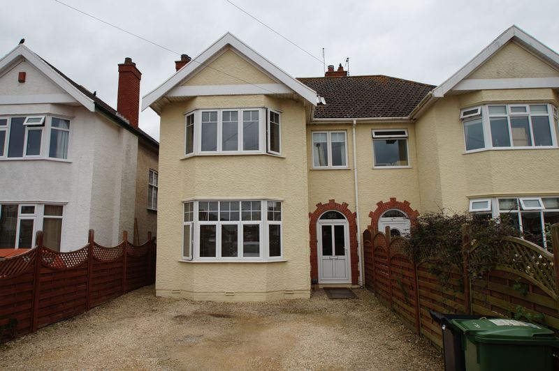 4 Bedrooms Property for sale in Berrow Road, Burnham-On-Sea
